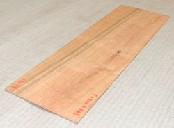 Ki161 American Cherry Saw Cut Veneer 390 x 115 x 2 mm