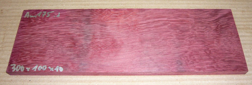 Am145 Purple Heart, Amaranth 302 x 80 x 10 mm