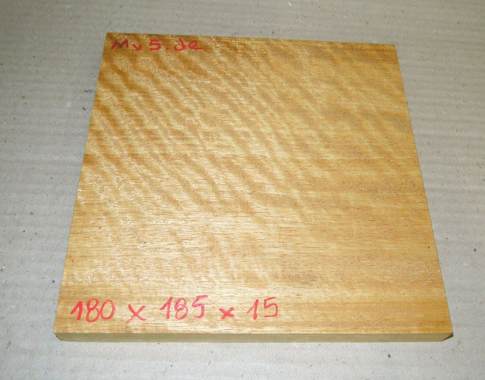 Mv005 Movingui, Nigerian Satinwood 180 x 185 x 15 mm