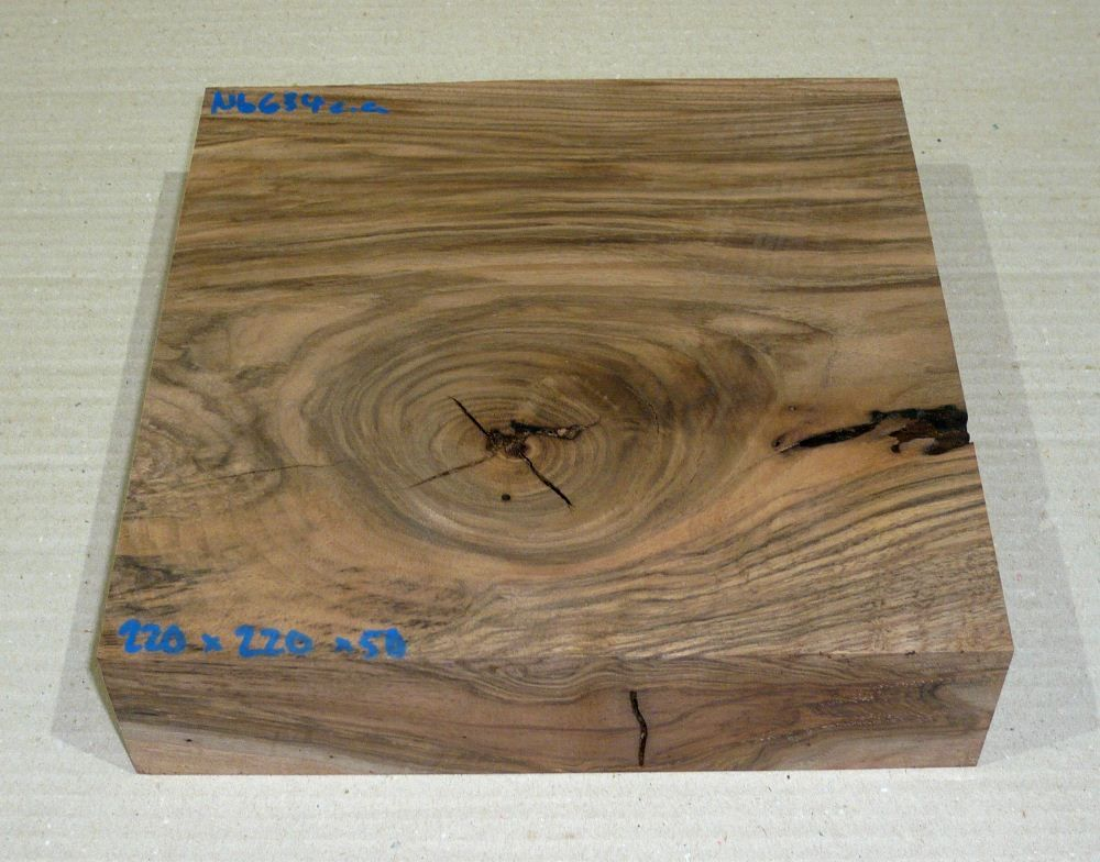 Nb634 Turkish Walnut 220 x 220 x 50 mm