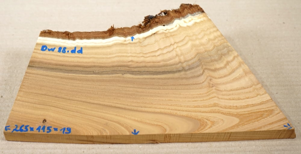 Ow088 Russian Olive Board 265 x 115 x 19 mm